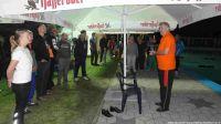 Eröffnung des 2014 Stundenschwimmens pünktlich um Mitternacht durch den Bürgermeister Peter Winzer